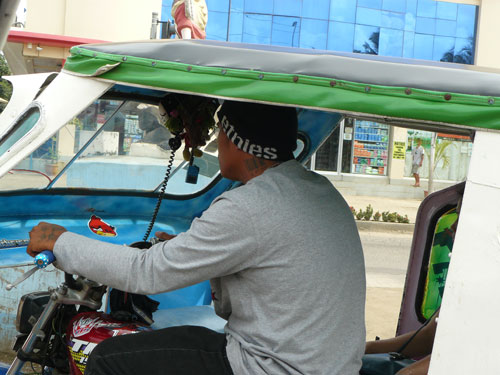 Conductor de ´rikshaw´ filipino